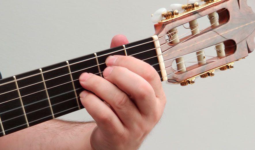 uñas guitarrista