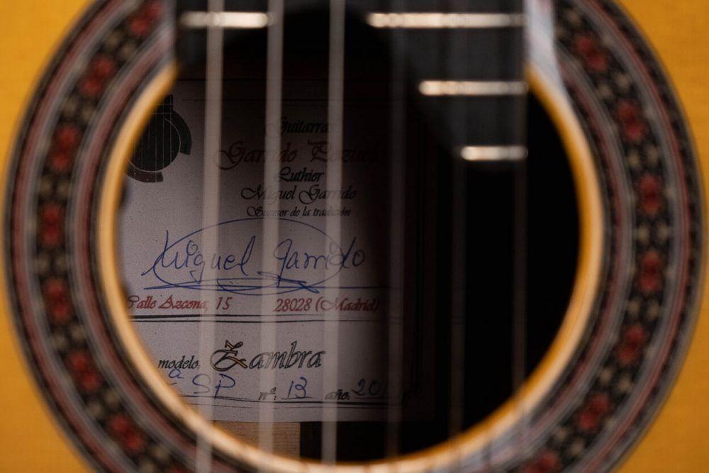 Cutaway guitar model Zambra soundhole