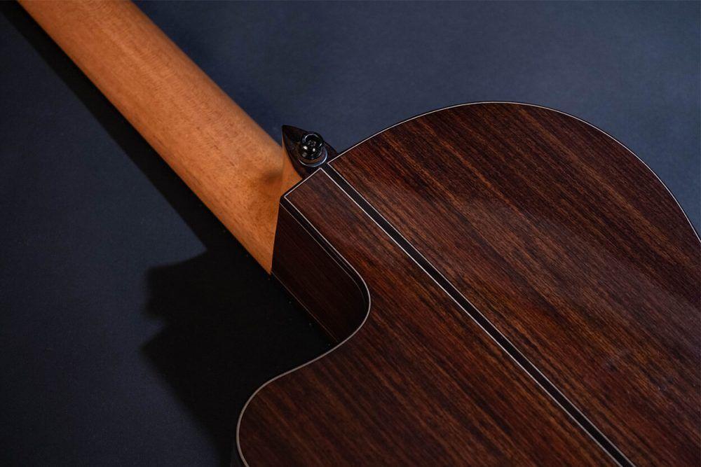 Cutaway guitar model Zambra back