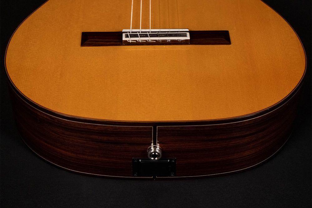 Cutaway guitar model Zambra botom