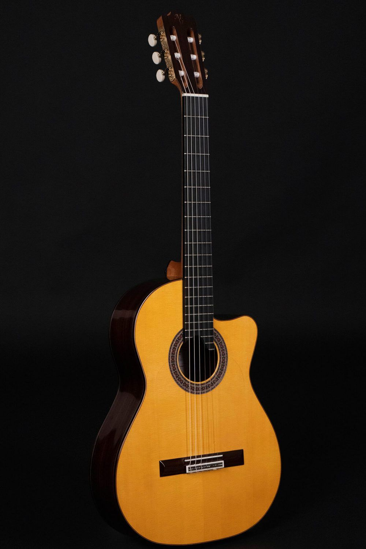 Cutaway guitar model Zambra 2