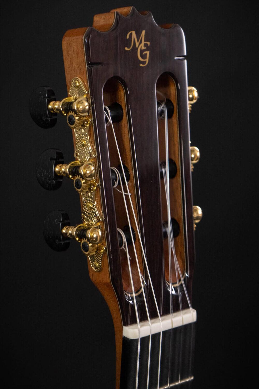 Spanish guitar Albeniz (1)