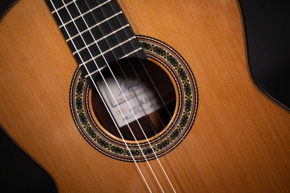 Spanish guitar Albeniz (11)